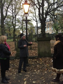 Auld Toun Walking Tours overs options for small groups.